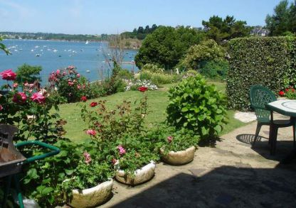 cottage St Malo Saint Suliac Ker Mor a Brittany cottage the garden and the sea.jpg
